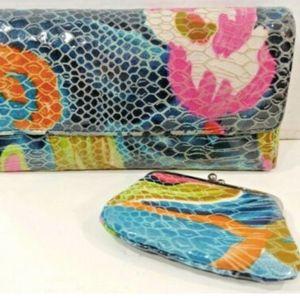 Hobo IntlClutch Wallet Blue Trifold + Change purse
